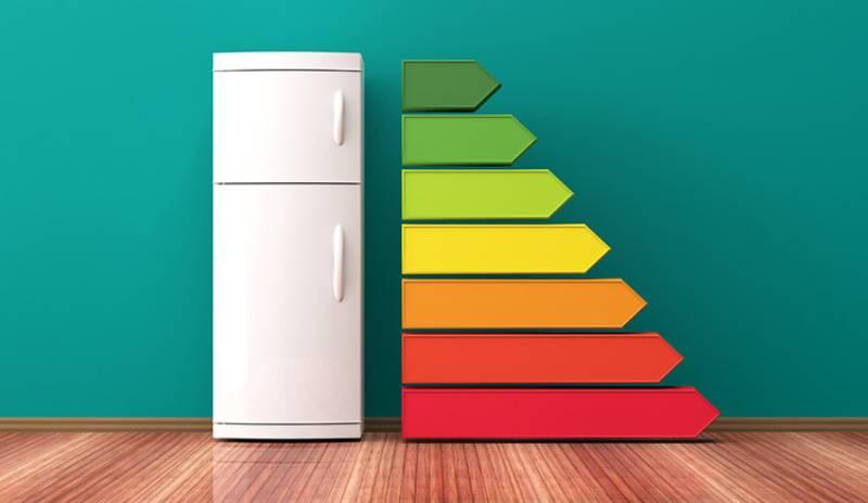 Cuantos watts consume una refrigeradora al día